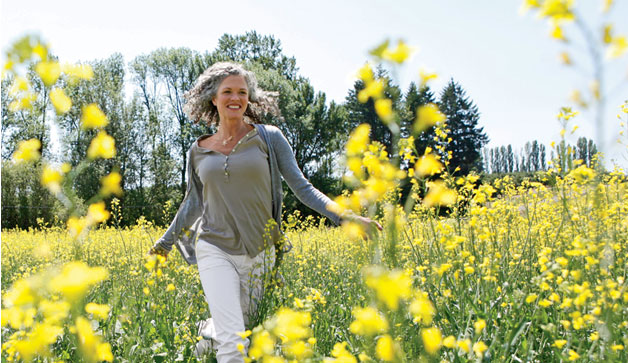 woman-spring-flowers-628x363-COMP-3255794